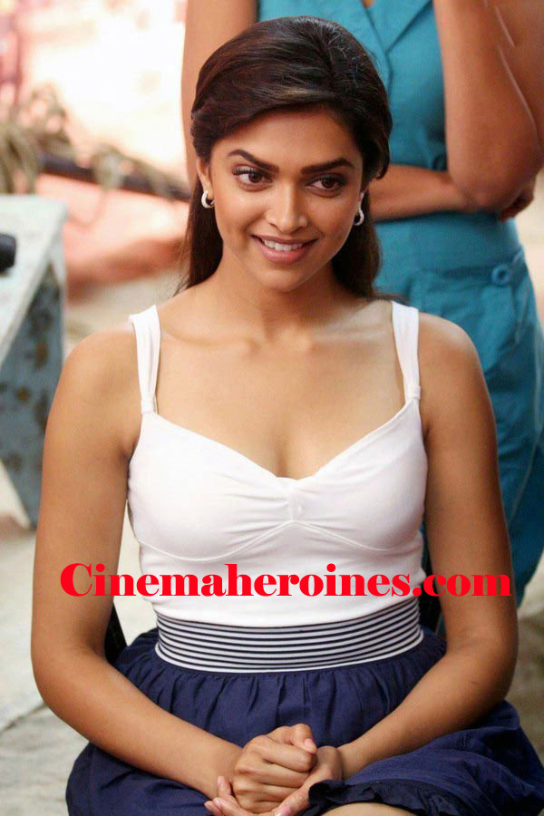 Bollywood Heroines Hot Boobes